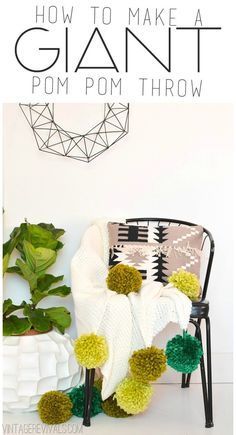 Pom Poms are IN! Check out 17 fabulous DIY projects to make with pom poms, like this fab GIANT pom pom throw! How To Make A Pom Pom, Pom Pom Crafts, Ideias Diy, Boho Diy, Diy Home Decor, Room Decor, Diy Projects, Diy Crafts, Party Crafts