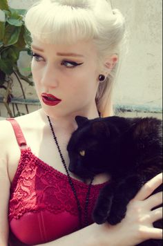 Photographer | Tamara Jayne & Model | Lady Medusa & her cat