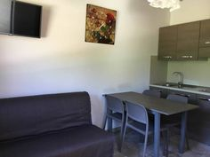 villaggio casina del duca Pescolanciano Offering accommodation with air conditioning, villaggio casina del duca is set in Pescolanciano, 29 km from Roccaraso. Pescasseroli is 48 km from the property. Free private parking is available on site.  All units include a seating area.