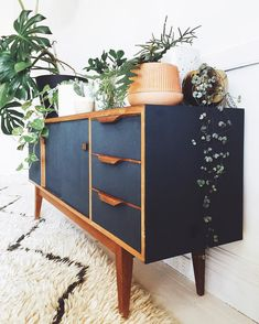 Mid Century Modern Apartment Decoration Ideas – Decorating Ideas - Home Decor Ideas and Tips - Page 3 Decor, Retro Home Decor, Modern Furniture, Painted Furniture, Century Furniture, Mid Century Modern Furniture, Modern Apartment Decor, Home Decor, Furniture Makeover