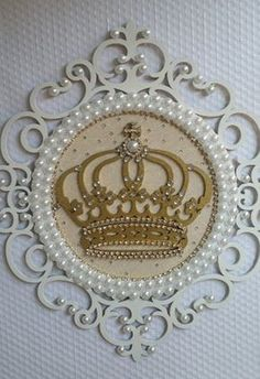 crown me for a day~~ Wood Crafts, Diy And Crafts, Photo Frame Design, Baby Kit, Baby Room Decor, Diy Gifts, Decoupage, Backdrops, Projects To Try