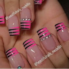 We all want beautiful but trendy nails, right? Here's a look at some beautiful nude nail art. Acrylic Nail Designs, Nail Art Designs, Acrylic Nails, Nails Design, Stripe Nail Designs, Fabulous Nails, Gorgeous Nails, Fancy Nails, Trendy Nails
