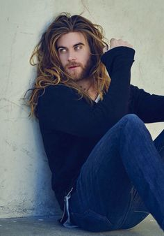 """Brock O'Hurn · All I can think to caption this is. """"Waitin' on that food like """" Haha anyways, time for me to go grub! Brock Ohurn, Pretty People, Beautiful People, Hair And Beard Styles, Long Hair Styles, Man Bun, Haircuts For Men, Trendy Haircuts, Funky Hairstyles"""