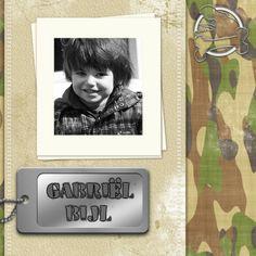 #Kinderfeestje.Stoere kaart met naamplaatje en legerprint.Voor stoere jongens en meiden!Feest Dino T-rex legerprint b - Uitnodigingen - Kaartje2go