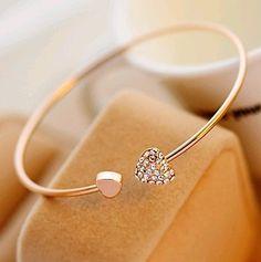 114 Heart-shaped crystal bracelet,cheap fashion bracelets shop at http://Costwe.com/cheap-fashion-bracelet-c-65_66.html