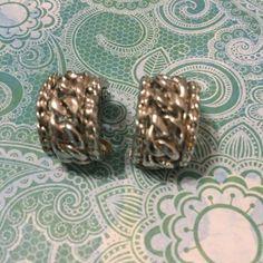 Signed CORO Earrings Retro Vintage Clip-on Silvertone Metal Woven Rope Motif Vintage Clip, Retro Vintage, My Ebay, Nashville, Vintage Jewelry, Cufflinks, Jewelry Accessories, Metal, Earrings