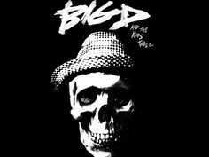 Big D and the Kids Table recently released a slew of videos chronicling their recording sessions of the new record, held a Reddit AMA session, and played a One Fund benefit at House of Blues with Dropkick Murphys. *phew* http://www.bostonska.net/video/big-d-recording-session-videos-reddit-ama/492/