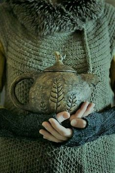 An evergreen sweater and a handmade pottery teapot Make tea Light candles Light the fire in the fireplace Turn on seasonal music Add blanket Get Cozy! Pottery Teapots, Ceramic Pottery, Ceramic Birds, Ceramic Teapots, Tee Set, National Coffee Day, Shades Of Green, Tea Time, Tea Party