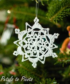 To make a snowflake as gorgeous and unique as real ones, follow this Christmas crochet pattern from @Petals to Picots. You'll learn how to design your own snow craft using a picot pattern that crochet fans who'd like to make their own handmade Christmas ornaments will find challenging and rewarding.