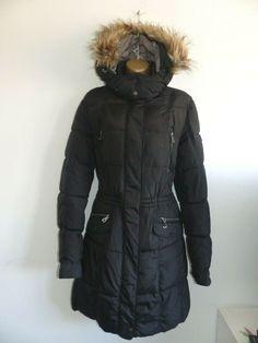 It has a full length zip. Winter Coats Women, Coats For Women, Winter Jackets, Parker Coat, Southport, Canada Goose Jackets, Medium, Lady, Fashion