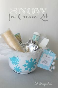Create an unforgettable memory for your friends and neighbors by sharing this great Snow Ice Cream Kit with them - it's everything they'll need to make ice cream out of snow.