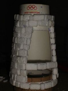 Wargaming terrain made of trash Christmas Village Display, Christmas Villages, Crafts For Teens, Diy And Crafts, Diy Aquarium, Free To Use Images, Fairy Garden Houses, Ceramic Birds, Bird Sculpture