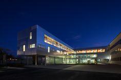 © 11h45 / Lycée professionnel et Gymnase André Ampère, Vendôme (41) - Gaëlle Péneau Architectes Associés