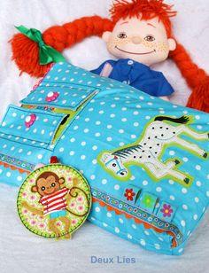 Deux Lies: Eine Kosmetiktasche zum Geburtstag für die kleinste Dame des Hauses....   Taschenspieler 3 Schnitt: Kosmetiktasche   Farbenmix