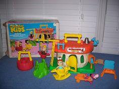 "Coleco ""The Flintstone Kids"" Bedrock Elementary School playset"