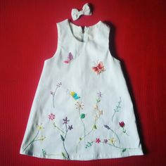 Toddler Girl Dresses, Little Girl Dresses, Girls Dresses, Frocks And Gowns, Kurta Style, Hand Embroidery Dress, T Shirt Painting, Royal Clothing, Designs For Dresses