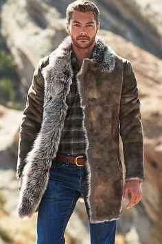 Jackson toscana sheepskin coat in 2019 style & fasion мужско Mens Outdoor Fashion, Best Mens Fashion, Mens Fashion Suits, Ski Fashion, Fashion 2020, Fasion, Fashion Outfits, Style Brut, Style Costume Homme