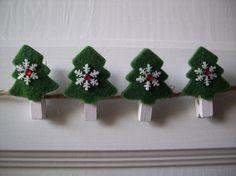 Bosco di Natale realizzato con mollette