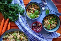 Salát s quinoou, zeleninou a granátovým jablkem | Veganská liška Quinoa, Curry, Ethnic Recipes, Food, Curries, Essen, Meals, Yemek, Eten