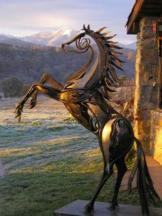 More equine art & inspirations: www.StajniaSztuki.pl  Autor: Emmanuel Kieffer