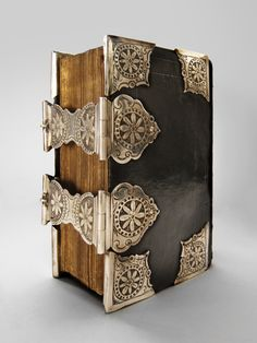 Church-book - 18th century - with 2 silver clasps + 8 corners