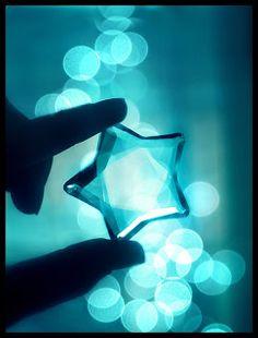 Aqua star, so lovely. Shades Of Turquoise, Turquoise Color, Aqua Blue, Shades Of Blue, Tiffany Blue, Azul Tiffany, Light Blue Aesthetic, Aesthetic Colors, Image Bleu