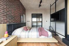 Cozy Studio Apartment, Cute Apartment, Apartment Bedroom Decor, Room Decor Bedroom, Home Bedroom, Bedroom Rustic, Bed Room, Bedroom Furniture, Bedroom Ideas