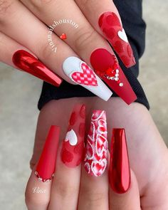 15 Elegant Valentine's Heart Nails Design For Acrylic Long Coffin & Stiletto Nails Design - The Secret of Modern Beauty Nail Art Designs, Manicure Nail Designs, Heart Nail Designs, Easter Nail Designs, Nail Manicure, Nails Design, Heart Nails, Us Nails, Swag Nails