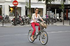 Paris talons by Aude by amsterdamcyclechic, via Flickr