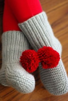 Quick and easy knitted slipper socks pattern.