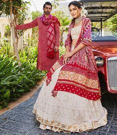 Party Wear Indian Dresses, Designer Party Wear Dresses, Indian Gowns Dresses, Indian Bridal Outfits, Indian Fashion Dresses, Dress Indian Style, Indian Designer Outfits, Bandhani Dress, Lehnga Dress