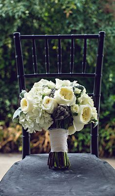 Gorgeous Southern wedding with a neutral palate of white roses and muted greys!