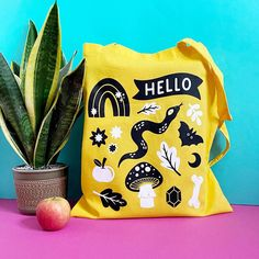 Oh wow, this 2 colour screen printed tote bag by Stacey McEvoy Caunt is amazing, thanks so much for sharing! To make your own, head to the link: Yellow Snake, Cute Snake, Custom Screen Printing, Snake Patterns, Cute Tote Bags, Tote Pattern, Shopper Bag, Printed Tote Bags, Handmade Shop