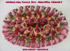 obložená mísa, www.cukrovi-kuncovi.cz kanapky, obložené chlebíčky, slané dorty, minichlebíčky Kuncovi, Brno - Maloměřice, Hádecká 8 www.cukrovi-kuncovi.cz/studena-kuchyne/oblozene-misy www.cukrovi-kuncovi.cz/studena-kuchyne/mini-chlebicky Acai Bowl, Buffet, Breakfast, Food, Charcuterie Board, Incredible Recipes, Creative Food, Creativity, Garnishing