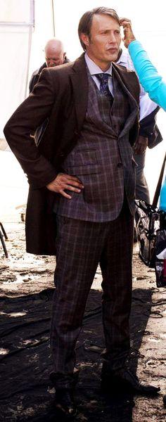 Mads Mikkelsen...Hannibal lookin' like a diva! Hannibal BTS