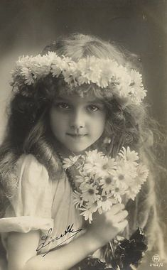 edwardian postcard child model | Girl with a crown and bouquet of daisies