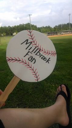 Such a cute baseball idea to keep cool! One of our moms made these for the parents of out All Star team. Think I'll make these for the early season football games! Travel Baseball, Baseball Tips, Baseball Mom Shirts, Baseball Games, Sports Baseball, Baseball Stuff, Baseball Numbers, Baseball Dugout, Baseball Girlfriend
