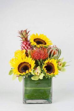 Estas en apuros? Enviamos su arreglo de flores el mismo dia que lo solicites.  Mira nuestros arreglos florales en nuestro sitio web  www.yosvi.com y para mas informacion sobre tu pedido puedes llamar al +1 305 642-4242  #BestFlowersUsa #BestFlowers #FlowersUsa #FloresUsa #FloresMiami #EnvioFloral #Flores #ArreglosFloralesMiami #YosviFlowers #yosvi
