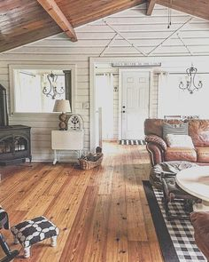 beach cottage style Cottage style pan abode cabin lakehouse cozy black and white cottage White Cabin, White Cottage, Cozy Cottage, Cozy House, Lake Cabin Interiors, Cottage Interiors, Log Home Interiors, White House Interior, Home Interior Design