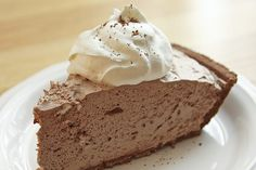 German Sweet Chocolate Pie (delicious, simple and freezes great. This is the recipe that used to come on the packages of Baker's German Sweet Chocolate Bars) (chocolate mousse cake oreo) German Chocolate Pies, Easy Chocolate Pie, Chocolate Mousse Pie, Bakers Chocolate, Chocolate Mousse Recipe, Frozen Chocolate, Chocolate Recipes, Mousse Cake, Chocolate Dreams