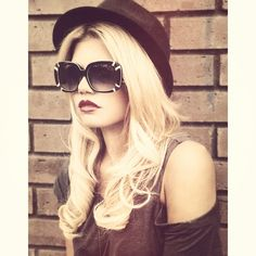 Chanel West Coast sexy in a Fedora.  Still on the fence on her, but looking good I say