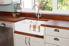 Double-Bowl belfast sink with a sink cabinet and deluxe black american walnut worktops. Yellow Cabinets, Solid Wood Kitchens, Turkey Glaze, Soup Crocks, Ground Turkey Recipes, American Walnut, Rice Casserole, Yellow Walls, Slow Cooker Beef