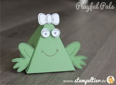 Stampin Up playful pals pyramid dreiecksbox thinlit friends with rough edges frog frog stamp pack animal Pop Up Cards, Cool Cards, Baby Cards, Kids Cards, Playful Pals Stampin Up, Frog Crafts, Stampin Up Paper Pumpkin, Decoupage, Paper Craft Making