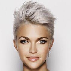 Résultats de recherche d'images pour « tendance cheveux court 2017 »