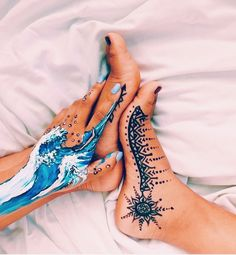 art, henna, and painting image Tattoo Diy, Tattoo Henna, Tattoo Ideas, Leg Painting, Painting & Drawing, Body Painting Girls, Ocean Wave Painting, Belly Painting, Wave Art
