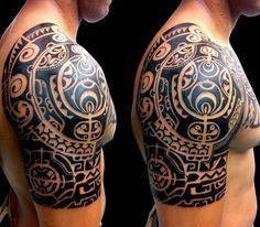 The Maori used tattoos on their faces and the process was a sacred ritual. Maori Tattoos, Filipino Tribal Tattoos, Tatuajes Tattoos, Samoan Tattoo, Tattoo Diy, Arm Tattoo, Sleeve Tattoos, Polynesian Tattoo Designs, Maori Tattoo Designs