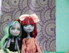 Monster High custom repaints photography by Ekaterina Bysova.
