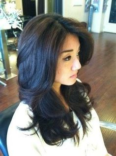 Long layered hair, this is what looks best for my hair. No matter what other styles I've tried. If only it was | http://newhairstylesforgirls.blogspot.com