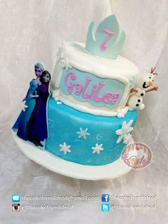 Well, we all know it's Frozen :) - Edible Anna and Elsa, fondant Olaf, gumpaste crown and lots of sparkle. Adorable (A little disappointed because the printed image was too dark...) - Repostería - Puerto Ordaz - Venezuela