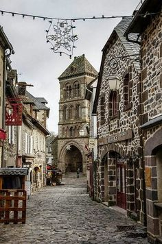 Salers, Auvergne - France / Travel with Anne Fontaine